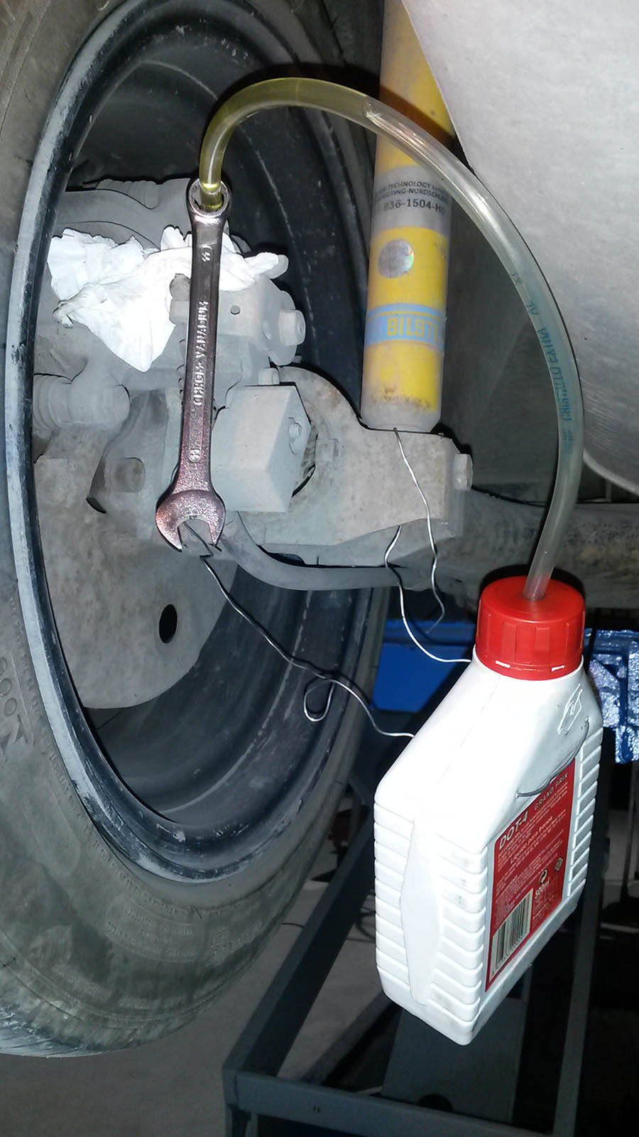2L Purgador de Frenos de Aire de Autom/óvil Herramientas de Extracci/ón del L/íquido de Frenos Kit de Cambiando de L/íquido de Purga de Frenos de Coche