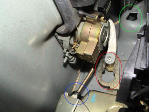 Cambio reparaci n de los actuadores del cierrre for Puerta que abre para los dos lados